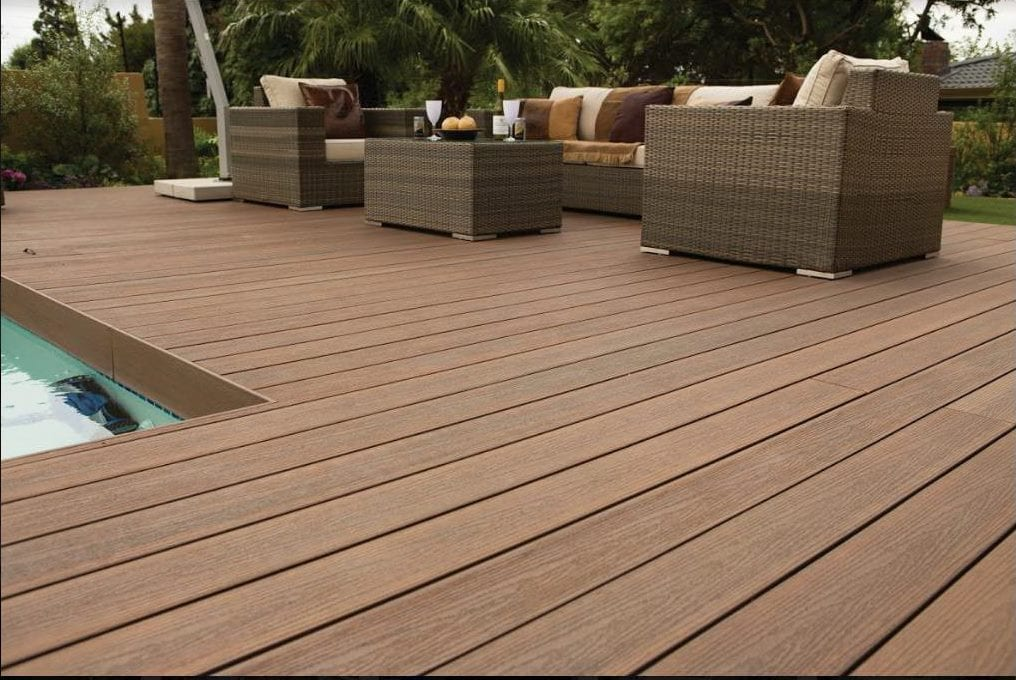 decking contractor in Croydon