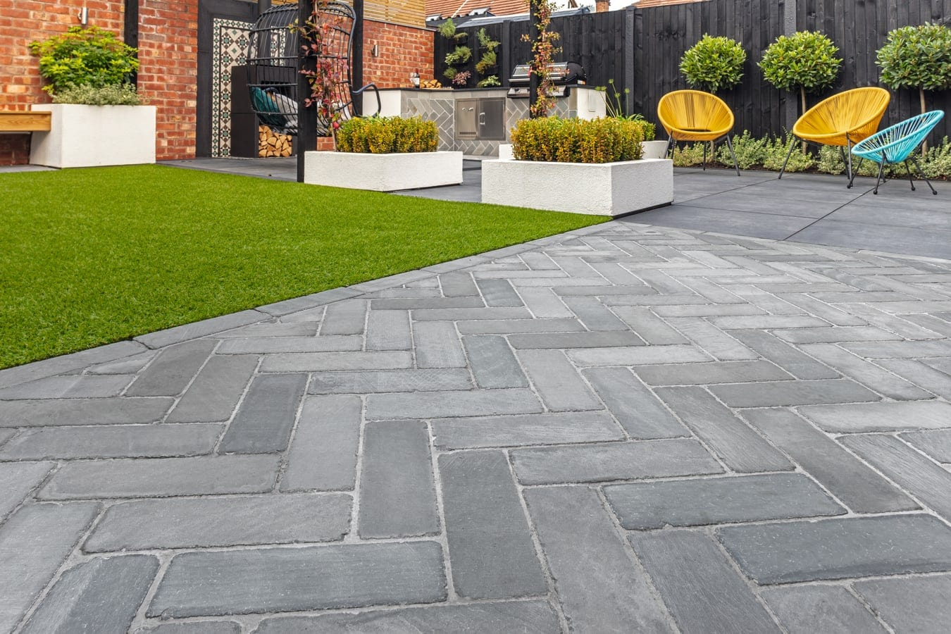 paving installers in Croydon